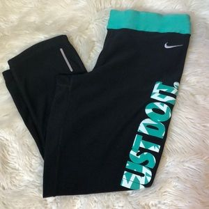 NIKE DRI-FIT ATHLETIC/WORK OUT CAPRIS LEGGINGS